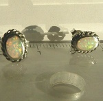 Opal Ohr Stecker 925 Silber 0,6cm