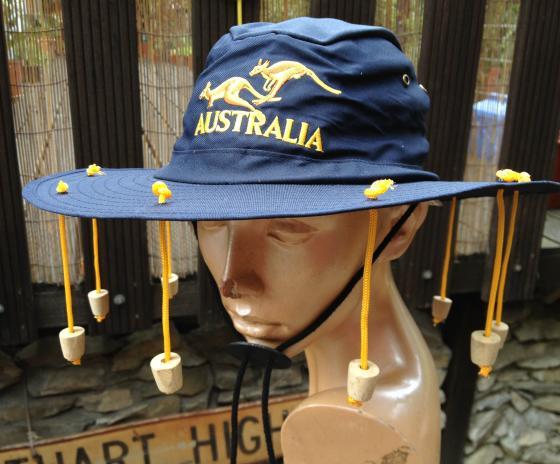 Hut mit korken gegen fliegen kaufen im australien versand shop for Gelb karten gegen fliegen