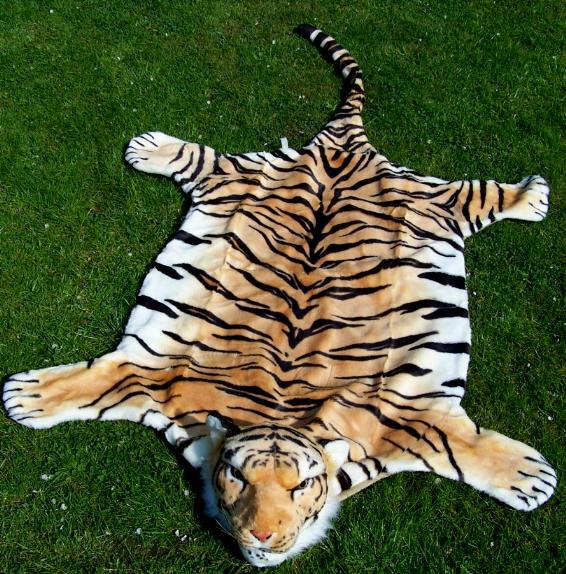 tiger fell pl sch 1 4 m wand teppich kaufen im australien versand shop. Black Bedroom Furniture Sets. Home Design Ideas