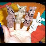 2x  Fingerfiguren Strick Känguru
