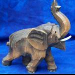 Elefant aus Afrika Holz handgeschnitz 12cm