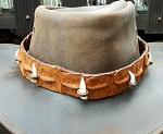 Hutband aus Krokodilleder mit Zähne